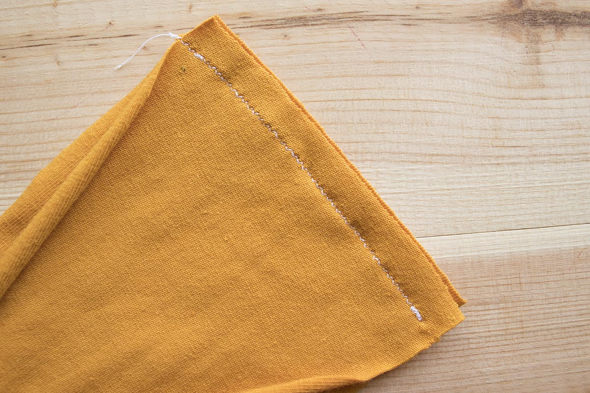 How to sew knit fabrics with a regular sewing machine